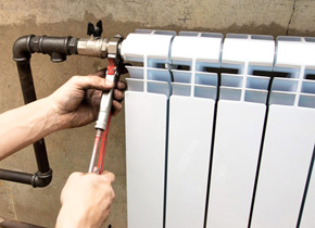 Монтаж радиаторов отопления своими руками видео